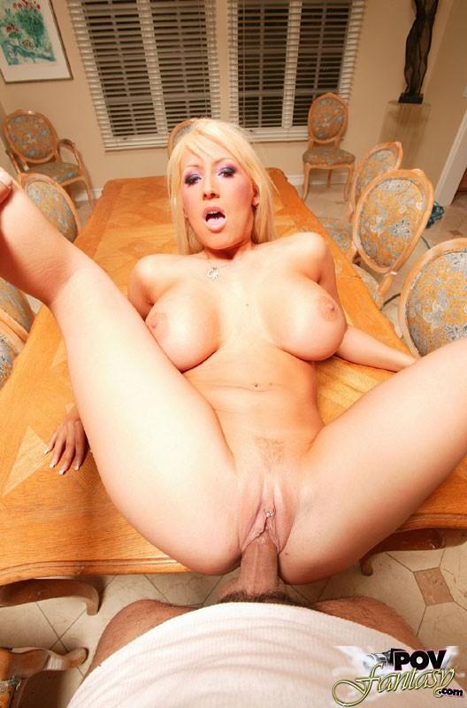 Порно фото сиськастых блондинок