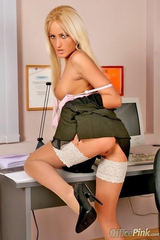 порно фото секретарш в белых чулках