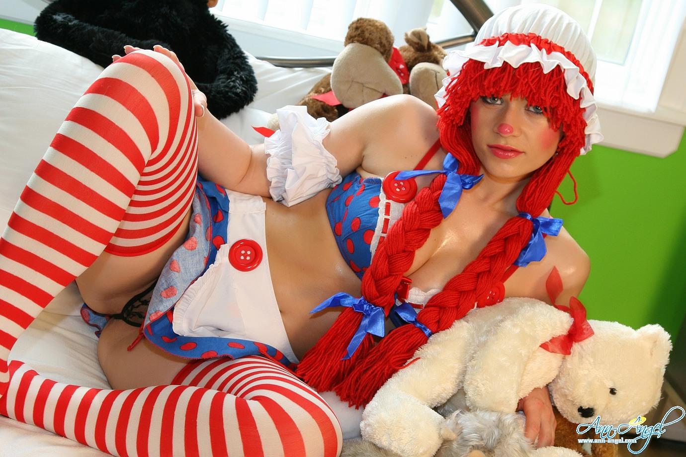 Эротичная красная шапочка в картинках 10 фотография